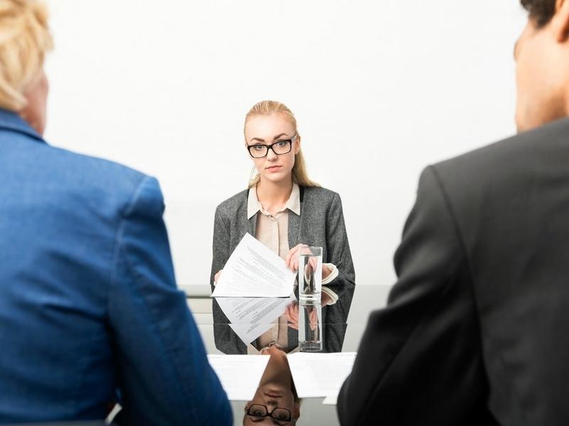 Đi phỏng vấn nên mặc gì để có thể ưng mắt nhà tuyển dụng - Ảnh 4