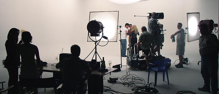 xu hướng viral video marketing với behind the scenes
