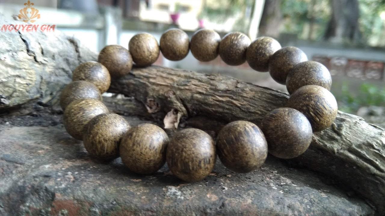 Vòng tay trầm hương có ý nghĩa trong phong thủy và sức khỏe